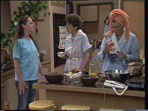 Kelly Morgan, Nell Mangel, Madge Bishop in Neighbours Episode 0413