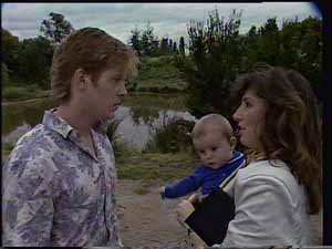 Clive Gibbons, Sam Cole, Susan Cole in Neighbours Episode 0413