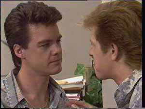 Paul Robinson, Clive Gibbons in Neighbours Episode 0413