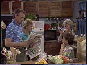 Jim Robinson, Helen Daniels, Scott Robinson, Lucy Robinson in Neighbours Episode 0414