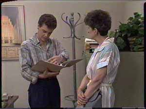 Paul Robinson, Nell Mangel in Neighbours Episode 0414