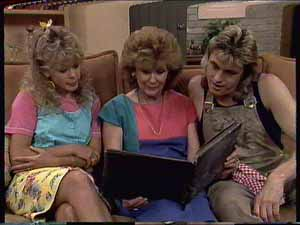 Charlene Mitchell, Madge Bishop, Shane Ramsay in Neighbours Episode 0414