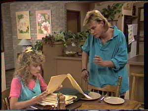 Charlene Mitchell, Scott Robinson in Neighbours Episode 0414
