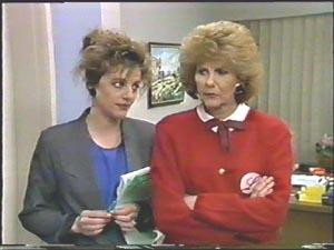 Madge Bishop, Gail Robinson in Neighbours Episode 0578