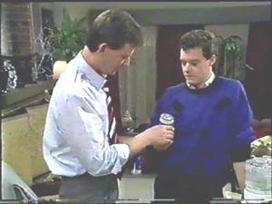 Des Clarke, Paul Robinson in Neighbours Episode 0578