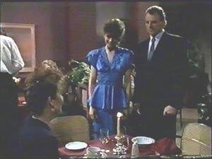 Beverly Marshall, Gail Robinson, Jim Robinson in Neighbours Episode 0578