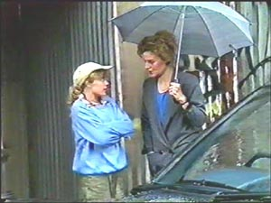 Charlene Robinson, Gail Robinson in Neighbours Episode 0579