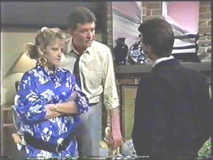 Daphne Clarke, Des Clarke, Paul Robinson in Neighbours Episode 0581