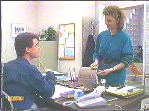Paul Robinson, Gail Robinson in Neighbours Episode 0583