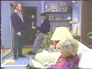 Jim Robinson, Paul Robinson, Helen Daniels in Neighbours Episode 0584