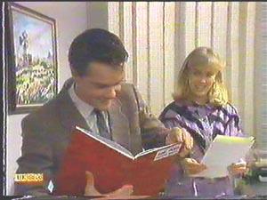 Paul Robinson, Jane Harris in Neighbours Episode 0586