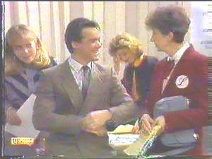 Jane Harris, Gail Robinson, Nell Mangel, Paul Robinson in Neighbours Episode 0586