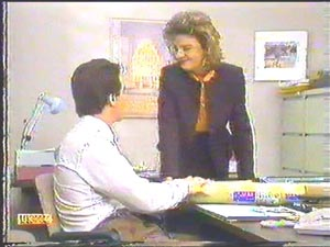 Paul Robinson, Gail Robinson in Neighbours Episode 0586