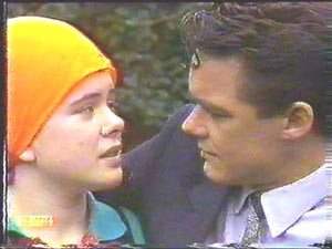 Lucy Robinson, Paul Robinson in Neighbours Episode 0588