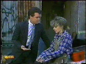 Paul Robinson, Charlene Mitchell in Neighbours Episode 0593