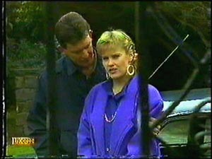 Des Clarke, Daphne Clarke in Neighbours Episode 0594