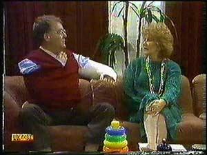 Harold Bishop, Madge Ramsay in Neighbours Episode 0599