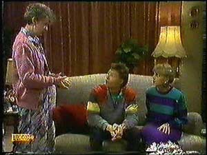 Nell Mangel, Mike Young, Jane Harris in Neighbours Episode 0599