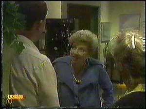 Des Clarke, Eileen Clarke, Daphne Clarke in Neighbours Episode 0599
