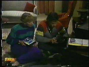 Jane Harris, Mike Young in Neighbours Episode 0600