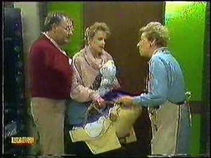 Harold Bishop, Daphne Clarke, Jamie Clarke, Eileen Clarke in Neighbours Episode 0600