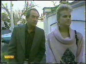 Allen Lawrence, Daphne Clarke in Neighbours Episode 0600