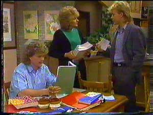 Henry Ramsay, Madge Bishop, Scott Robinson in Neighbours Episode 0602