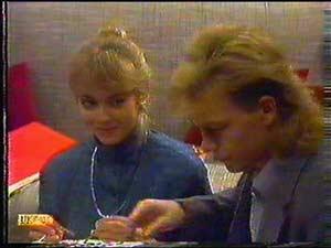 Jane Harris, Scott Robinson in Neighbours Episode 0602