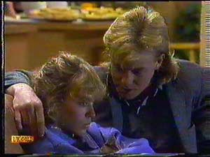 Charlene Mitchell, Scott Robinson in Neighbours Episode 0602