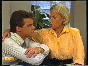 Paul Robinson, Helen Daniels in Neighbours Episode 0740
