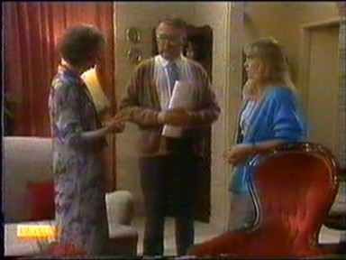 Nell Mangel, Harold Bishop, Jane Harris in Neighbours Episode 0743