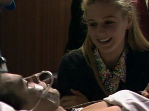 Phoebe Bright, Todd Landers in Neighbours Episode 1721