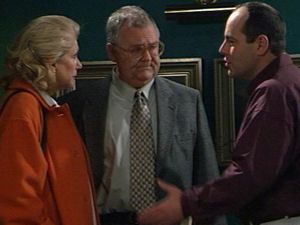 Madge Bishop, Harold Bishop, Philip Martin in Neighbours Episode 2965