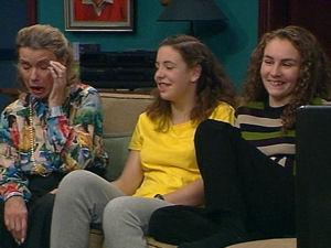 Helen Daniels, Hannah Martin, Debbie Martin in Neighbours Episode 2965