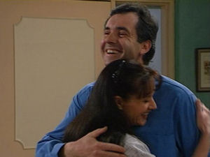 Susan Kennedy, Karl Kennedy in Neighbours Episode 2965
