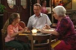 Max Hoyland, Summer Hoyland, Rosie Hoyland in Neighbours Episode 4213