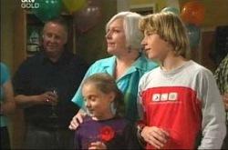 Rosie Hoyland, Summer Hoyland, Boyd Hoyland in Neighbours Episode 4214
