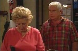 Valda Sheergold, Lou Carpenter in Neighbours Episode 4215