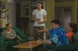 Michelle Scully, Jack Scully, Joe Scully, Lyn Scully in Neighbours Episode 4216