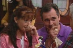 Karl Kennedy, Susan Kennedy, Lou Carpenter in Neighbours Episode 4219