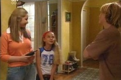 Steph Scully, Summer Hoyland, Boyd Hoyland in Neighbours Episode 4219