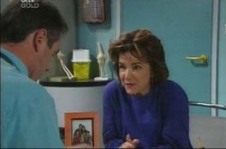 Karl Kennedy, Lyn Scully in Neighbours Episode 4220