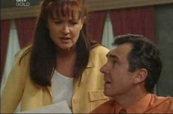 Susan Kennedy, Karl Kennedy in Neighbours Episode 4221