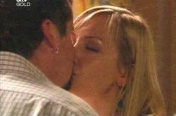 Sindi Watts, Toadie Rebecchi in Neighbours Episode 4223