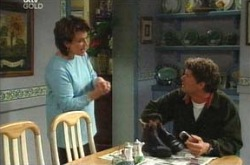 Lyn Scully, Joe Scully in Neighbours Episode 4223