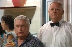 Lou Carpenter, Harold Bishop in Neighbours Episode 4223