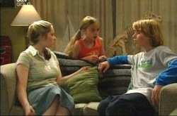 Heather Green, Summer Hoyland, Boyd Hoyland in Neighbours Episode 4225