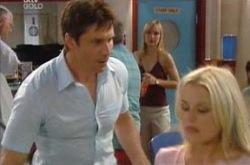 Harold Bishop, Darcy Tyler, Lou Carpenter, Sindi Watts, Dee Bliss in Neighbours Episode 4226