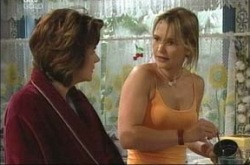 Lyn Scully, Steph Scully in Neighbours Episode 4228