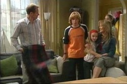 Max Hoyland, Boyd Hoyland, Summer Hoyland, Steph Scully in Neighbours Episode 4228